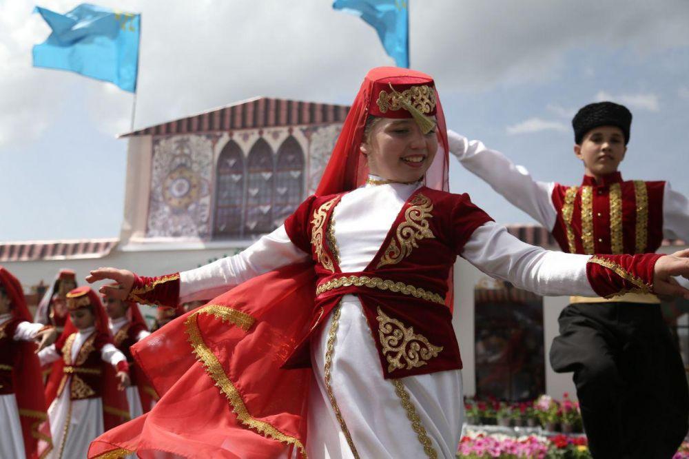 читаю фото крымскотатарские традиции опрометчивое