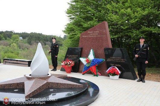 В п. Научный Бахчисарайского района открыт памятный знак «Участникам Великой Отечественной войны 1941-1945 годов»