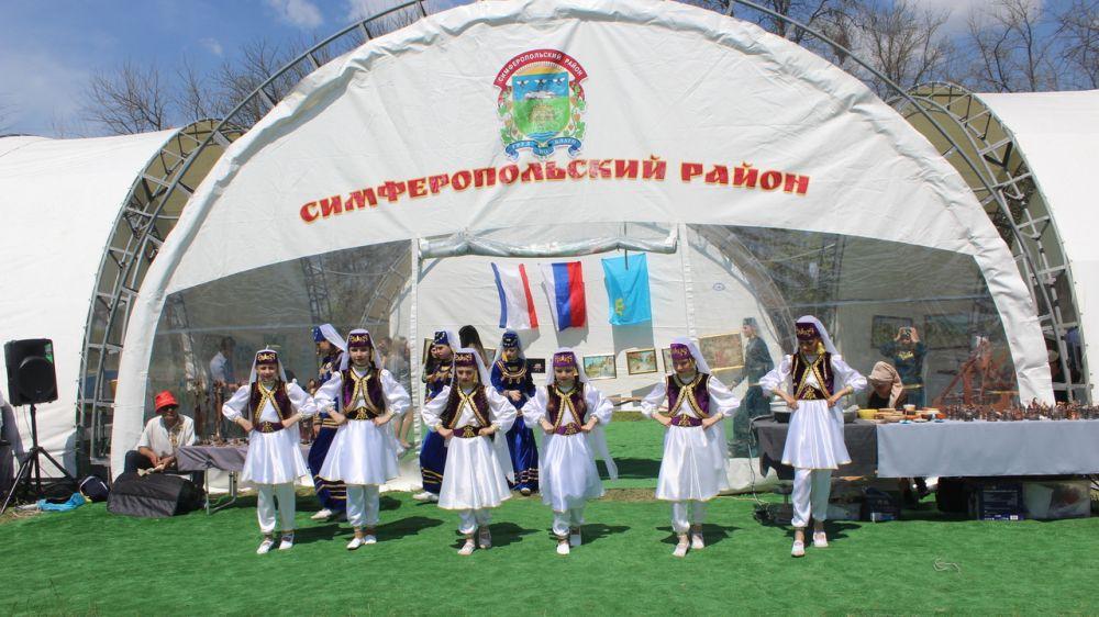 Жители Симферопольского района побывали на общекрымском празднике Хыдырлез