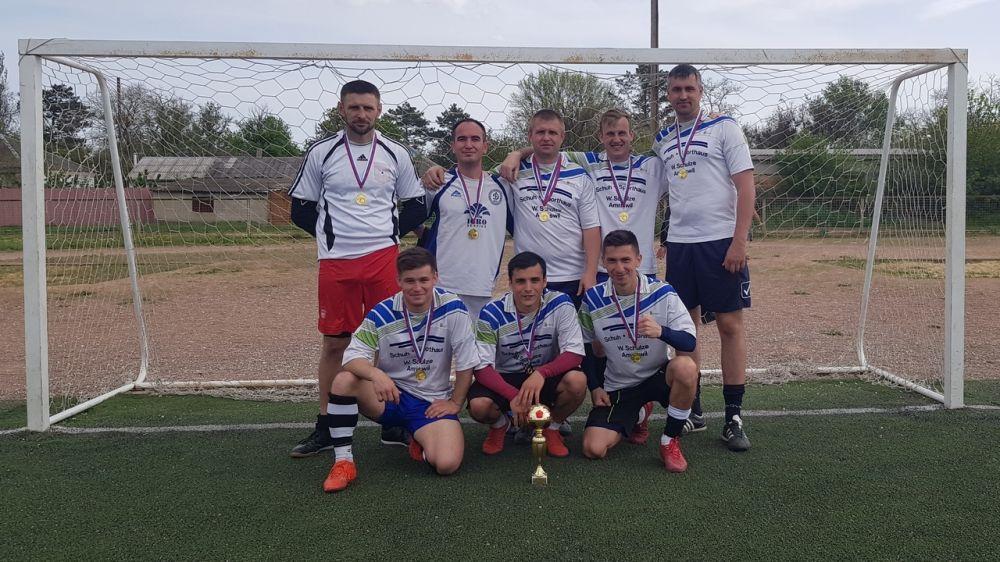 В посёлке Ленино прошли соревнования по футболу на Кубок Ленинского района