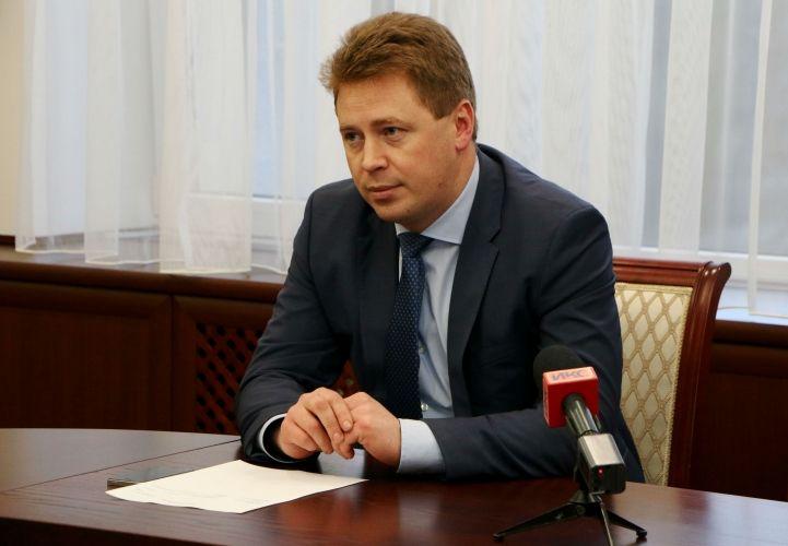 Губернатора Севастополя госпитализировали с аппендицитом