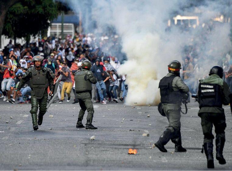 Оппозиция в Венесуэле предприняла очередную попытку свергнуть действующую власть