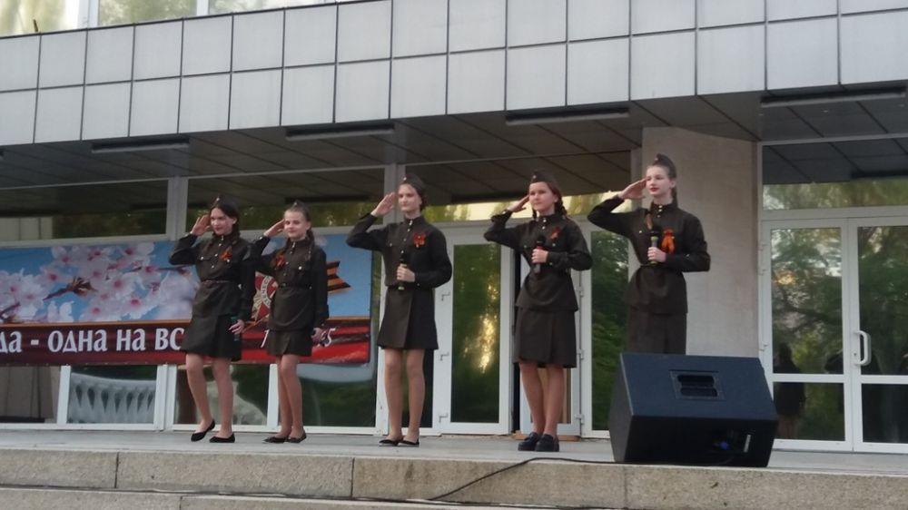 Обширная программа массовых культурных мероприятий ко Дню Победы проведена в Армянске