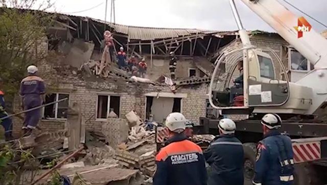 Есть угроза обрушения: видео с места взрыва газа в доме под Ростовом
