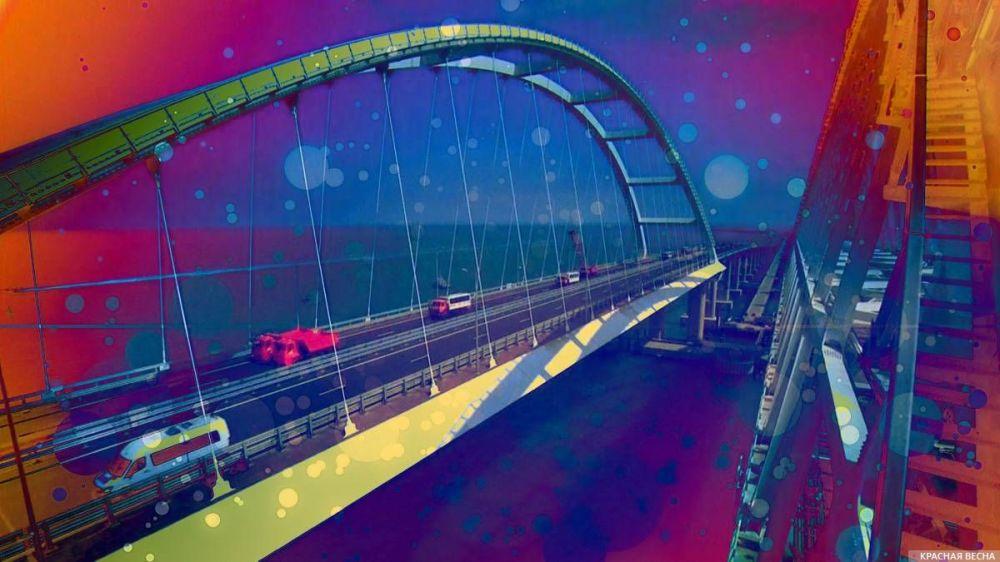 Крымский мост. Год спустя: эксперт прокомментировал работу моста через Керченский пролив