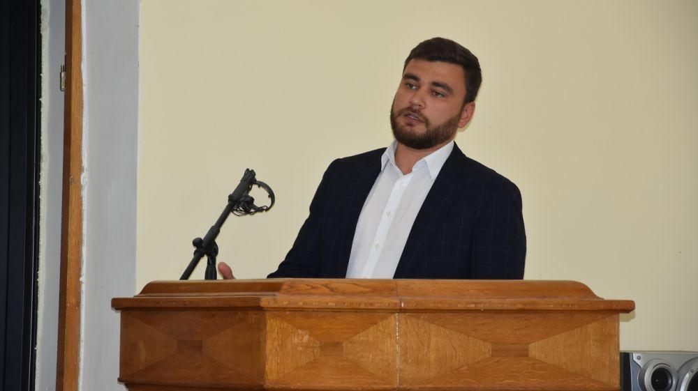 Врачи и учителя в Бахчисарае будут получать на 10 000 рублей больше