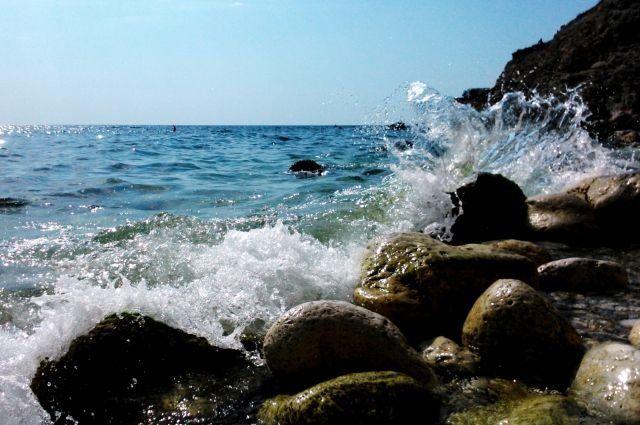 Уже можно купаться: море у берегов Крыма прогрелось до +17°