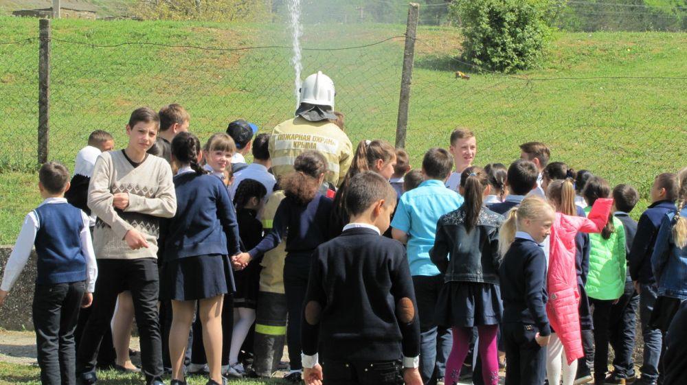 Сотрудники ГКУ РК «Пожарная охрана Республики Крым» продолжают проводить пожарно-тактические занятия в зонах своей ответственности