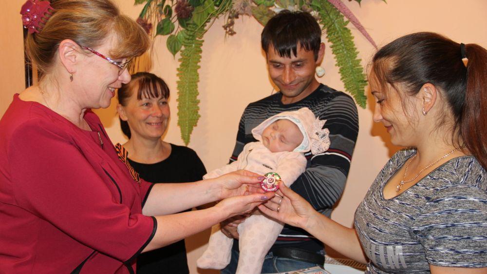 В Крыму за две недели зарегистрировали рождение почти полутысячи новорождённых