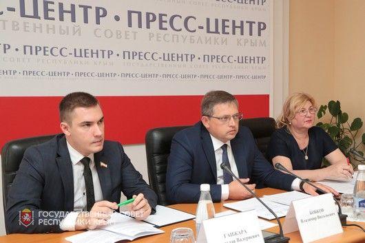 Подготовка детских оздоровительных лагерей Крыма к летнему сезону каждый год становится более организованной и системной, - Владимир Бобков
