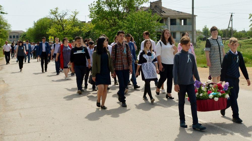 В с. Гвардейское торжественно открыли памятный знак жертвам депортации крымскотатарского народа