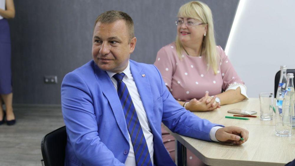 Сергей Зырянов принял участие в написании тотального диктанта по основам предпринимательской деятельности