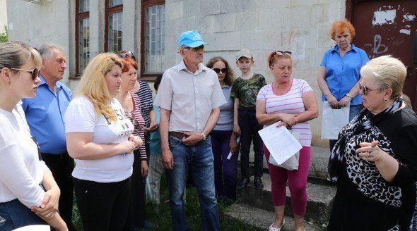 Жители Каменки обсудили с главой администрации Симферополя проблемы микрорайона