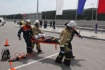 На Крымском мосту прошли совместные с МЧС тактико-специальные учения