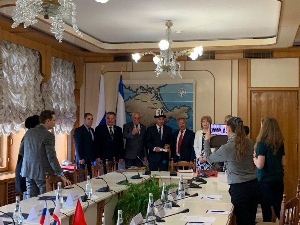 Крым и Кыргызстан намерены наладить совместный турбизнес