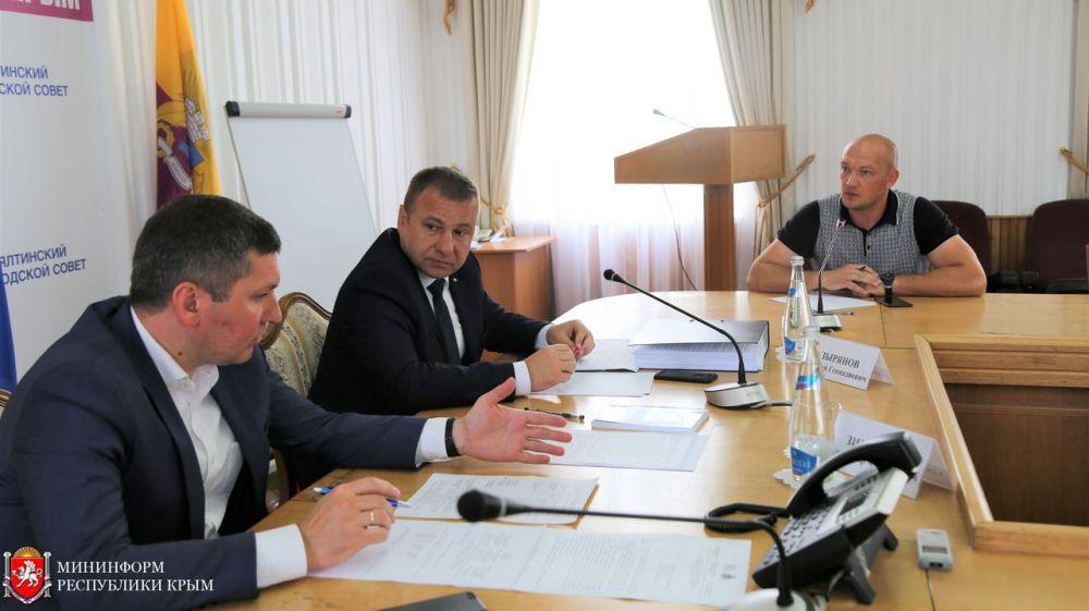 Сергей Зырянов провел выездной прием граждан в Ялте