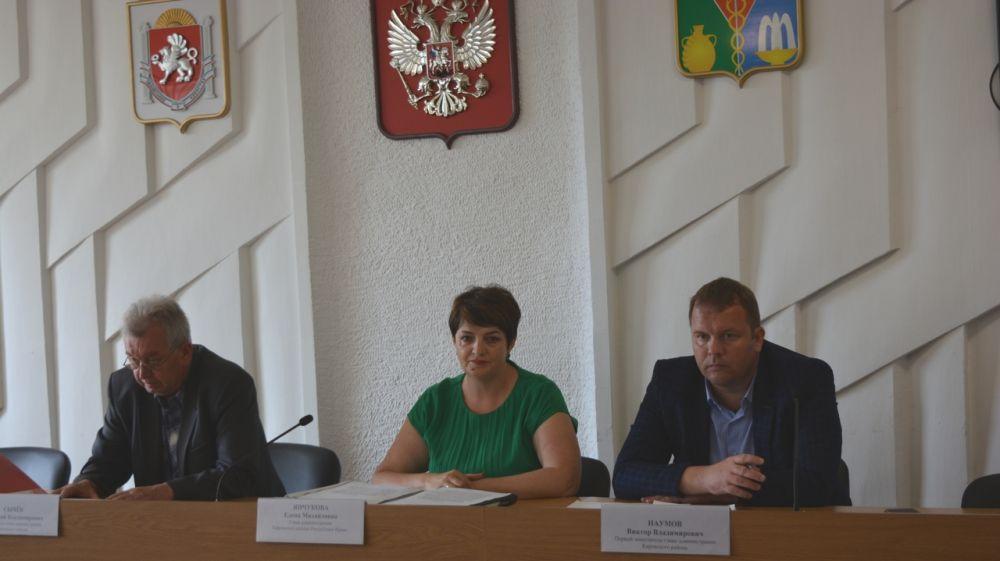 Елена Янчукова провела рабочее совещание по вопросам благоустройства населенных пунктов Кировского района