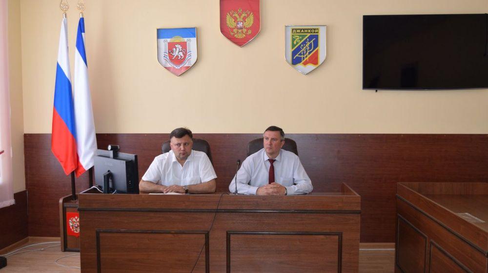 В администрации города состоялось очередное совещание с руководителями ресурсоснабжающих организаций, управляющих компаний и председателями советов собственников МКД