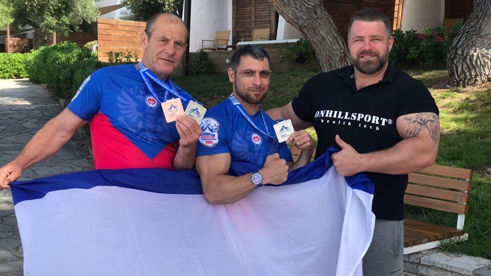 Крымские спортсмены выиграли три медали чемпионата Европы по армрестлингу