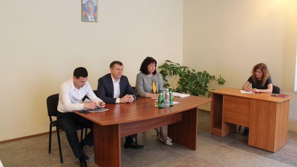 Геннадий Нараев провел рабочее совещание с представителями лесоохотничьих хозяйств Республики Крым