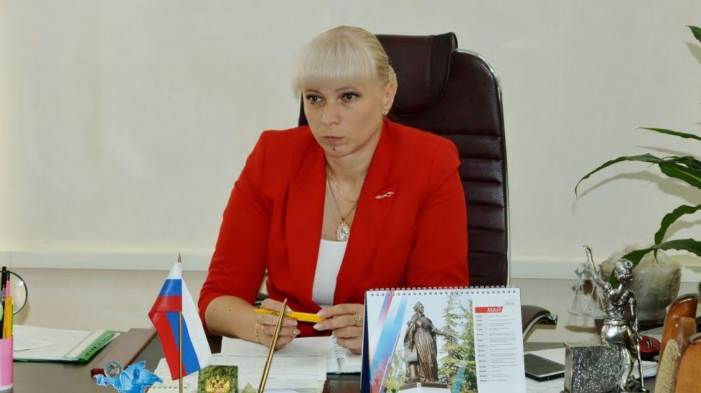 Елена Крестьянинова провела рабочее совещание по вопросам ремонта и строительства объектов образования