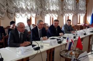 Вице-спикер крымского парламента Эдип Гафаров встретился с делегацией из Кыргызской Республики