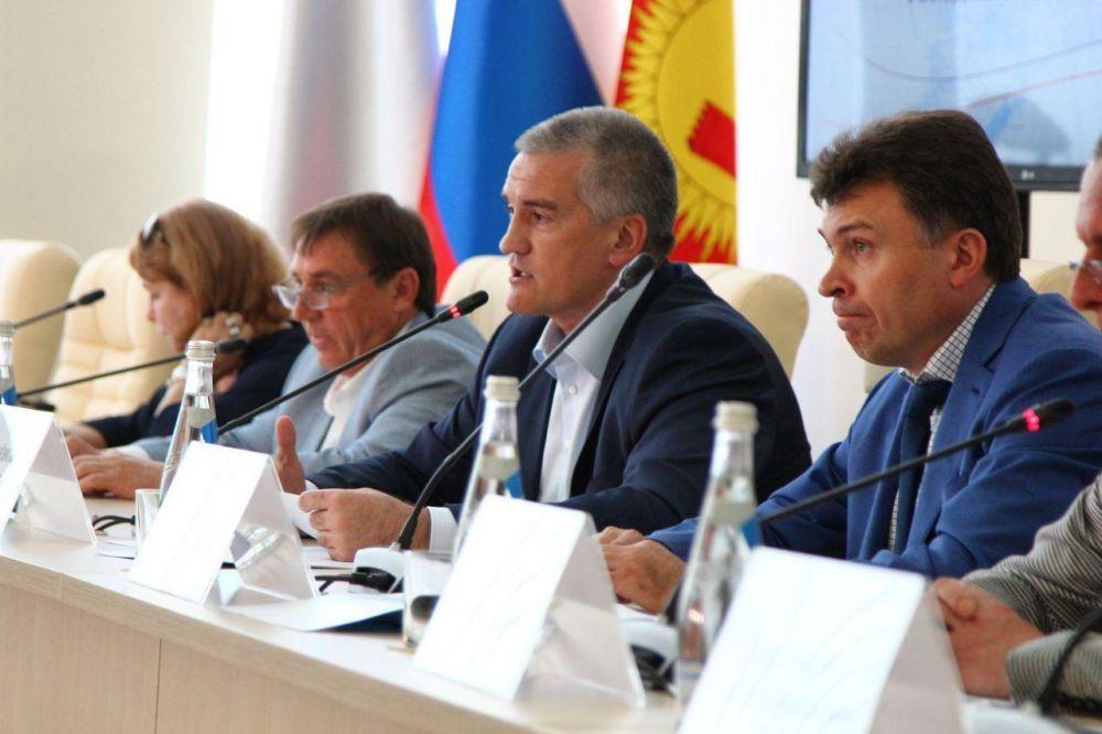 Сергей Аксенов пригрозил выломать двери в кабинет главы администрации Судака