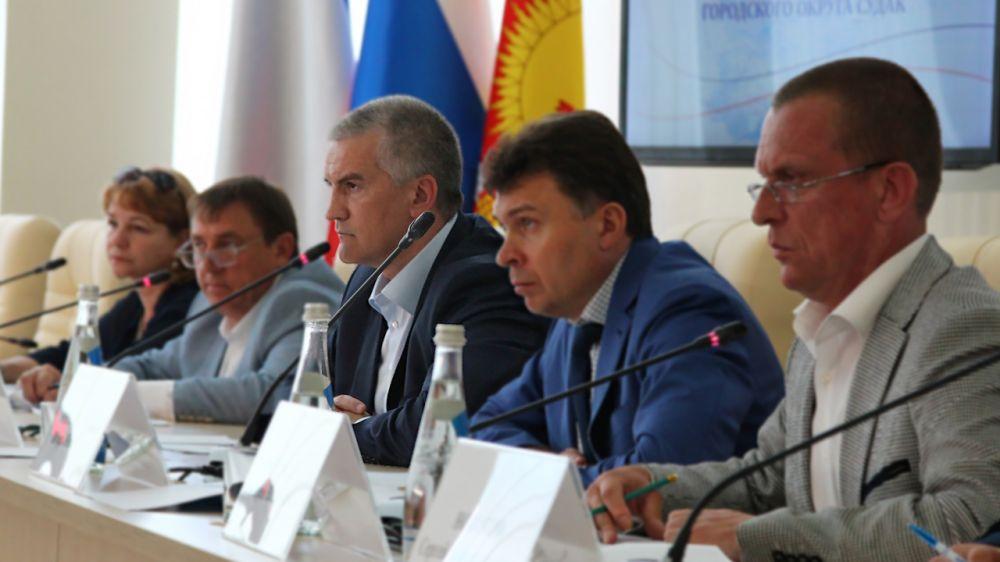 Аксёнов проверил выполнение поручений администрацией Судака