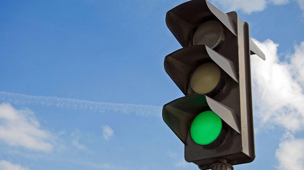Обычные дорожные светофоры установят в Ялте на 4 проблемных участках