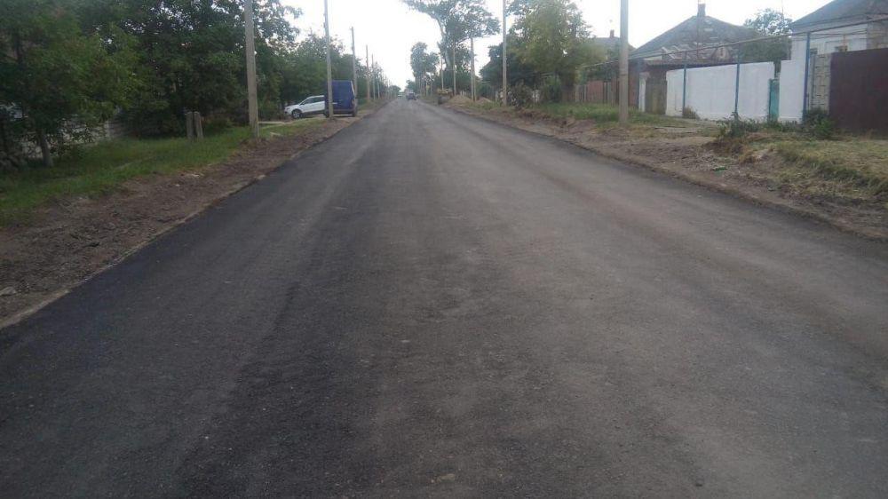 Крымавтодор приступил к ремонту дороги в поселке Багерово