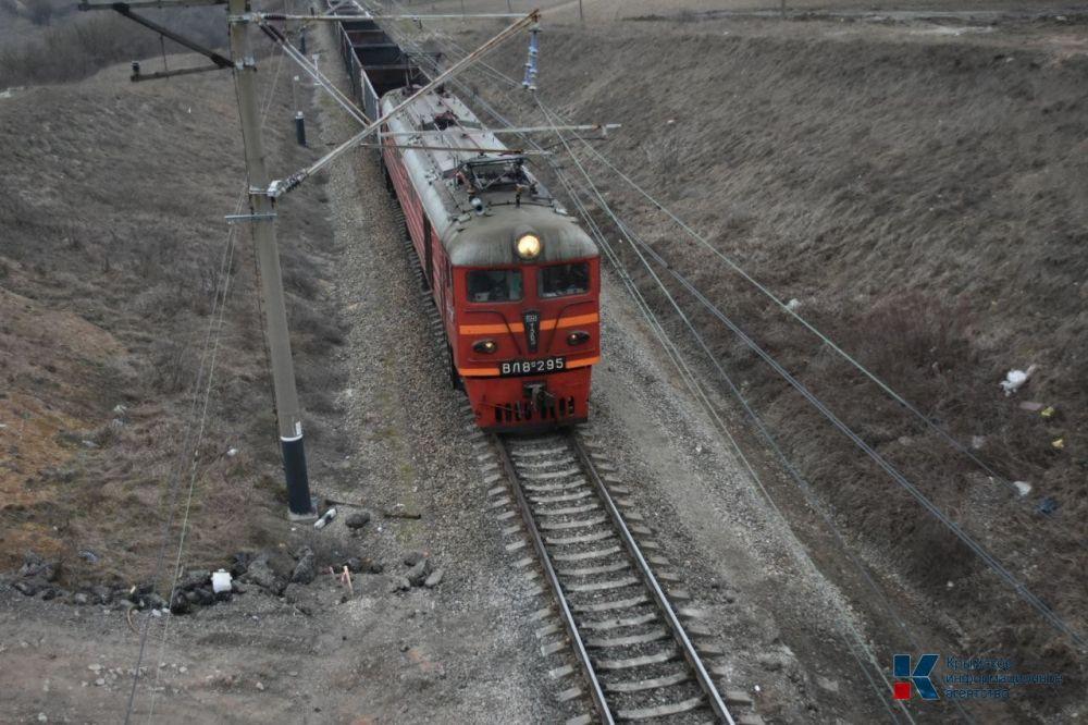 Сотрудники транспортной полиции Крыма выясняют причины смерти женщины на железной дороге