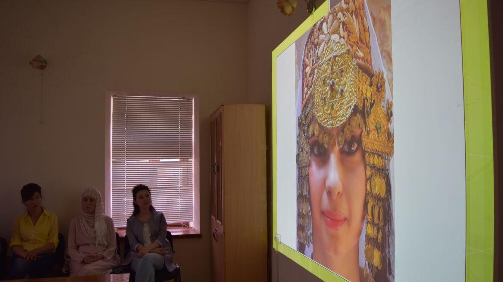В Бахчисарайском музее состоялись мастер-класс и лекция о ювелирных традициях Крыма