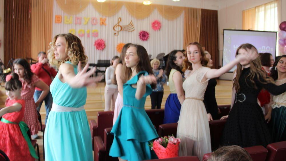 В Феодосии состоялся выпуск юных музыкантов