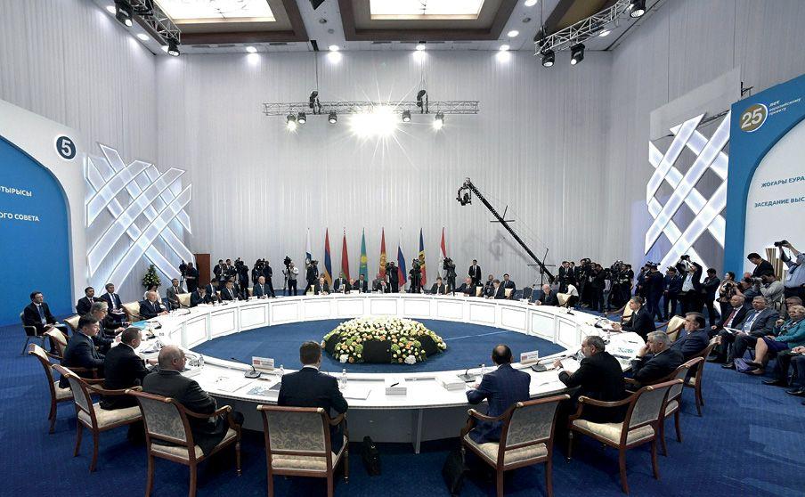 Президенты обсудили, как будет расширяться ЕАЭС