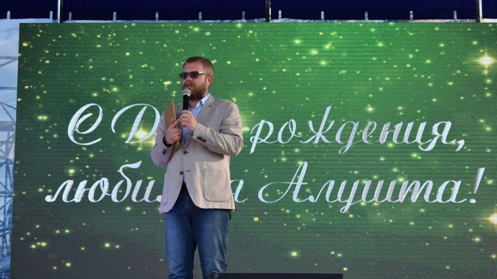 Дмитрий Полонский: Алушта развивается и преображается благодаря труду ее жителей