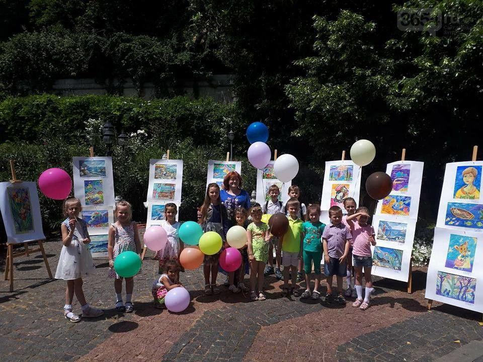 В Ялте открылась выставка юных художников «Читающие дети»