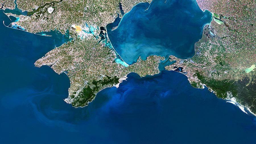 The Economist рассказывает страшные истории об ущемлении прав крымчан