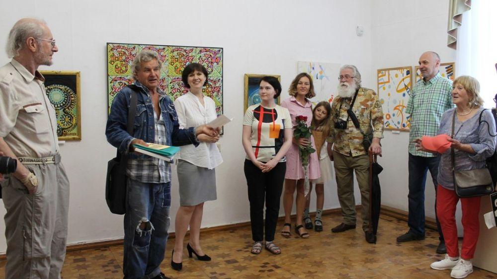 При поддержке Минкульта Крыма начала работу биеннале классического абстракционизма