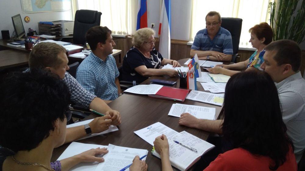 Госкомцен Крыма держит на постоянном контроле вопросы доступности тарифов для населения - Юрий Новосад