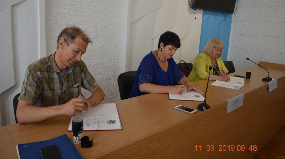 Подписано территориальное соглашение между администрацией Кировского района, профсоюзами и работодателями на 2019-2022 годы