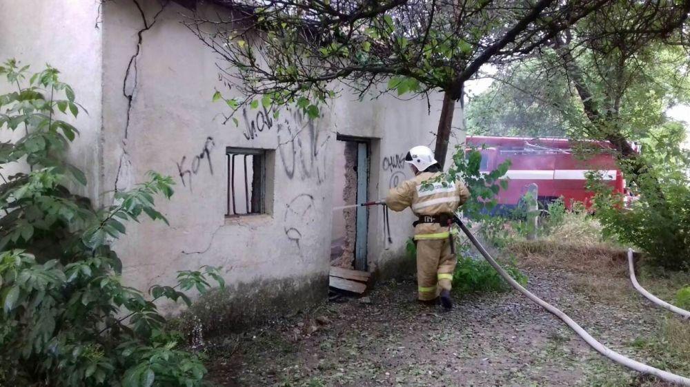 Сотрудники ГКУ РК «Пожарная охрана Республики Крым» ликвидировали пожар в Симферопольском районе
