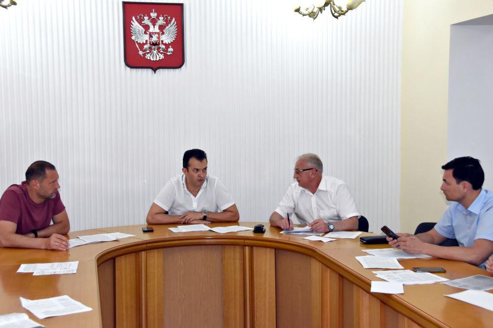 На заседании постоянного комитета