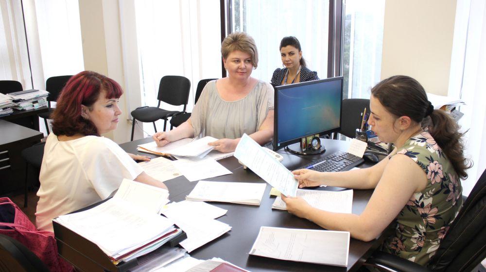 Госкомрегистр оказывает содействие в оформлении земельного участка «Эколого-биологического центра» в Симферополе