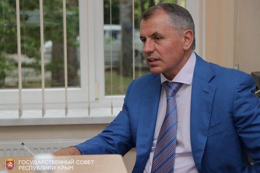 Глава Парламента РК провел встречу со школьниками из Ленинградской области