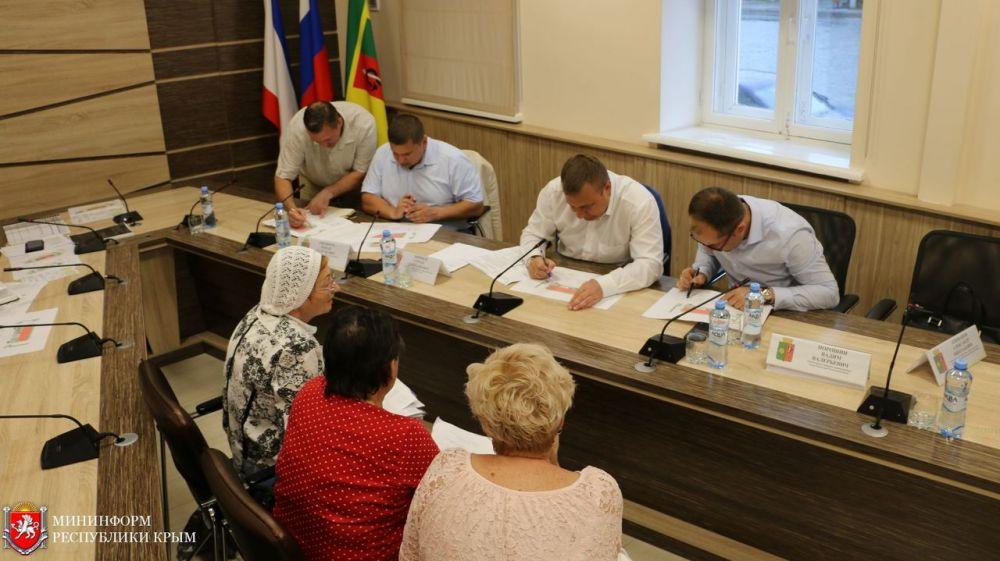 Сергей Зырянов провел выездной прием граждан в Евпатории