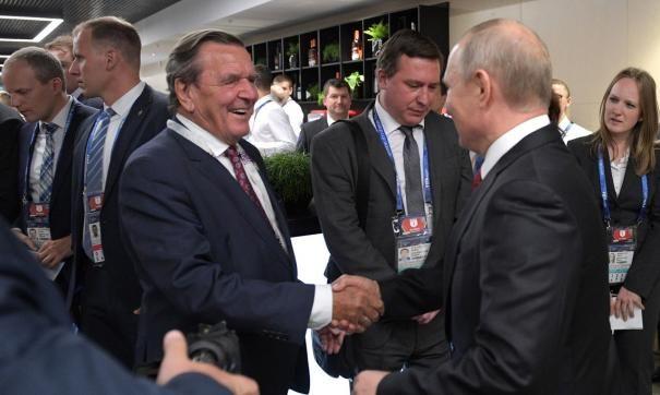 Экс-канцлер ФРГ признал законным присоединение Крыма к России