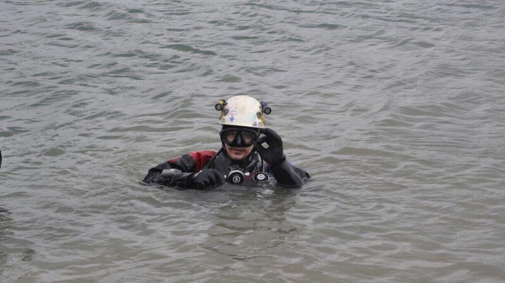 Сотрудники «КРЫМ-СПАС» продолжают проводить тренировочные занятия по водолазным спускам