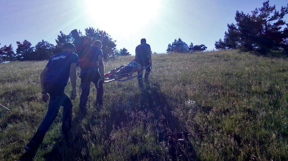 Парапланерист с травмами позвоночника был эвакуирован специалистами «КРЫМ-СПАС» из труднодоступной местности