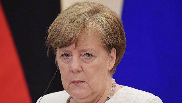 """Меркель назвала """"возвращение Крыма"""" условием снятия санкций"""