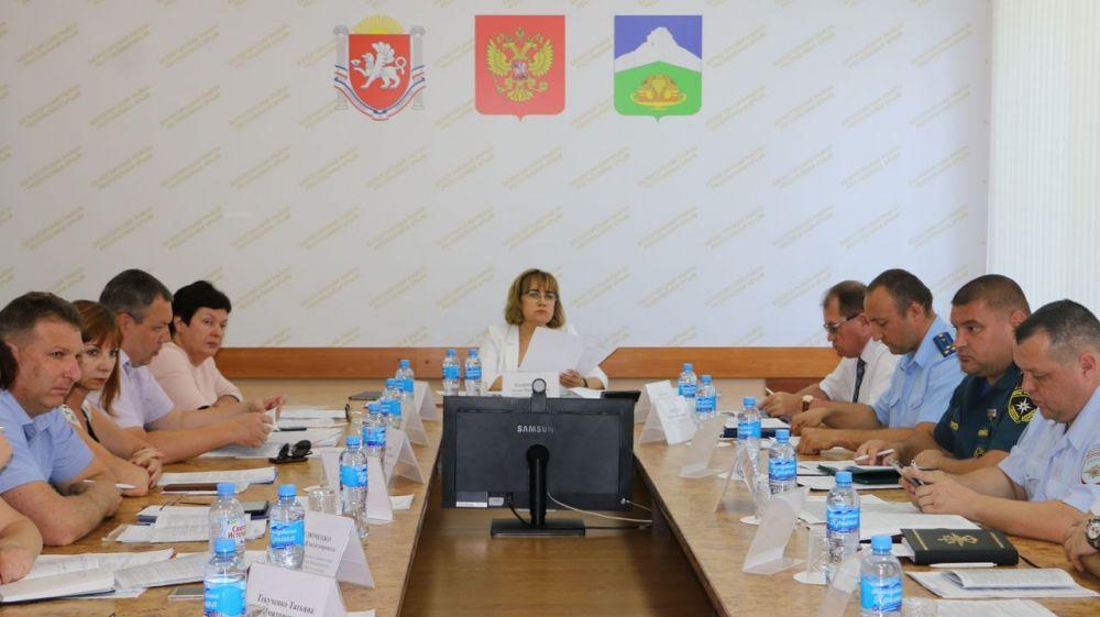 Алла Пашкунова в Белогорском районе провела выездное заседание Республиканской комиссии по делам несовершеннолетних и защите их прав